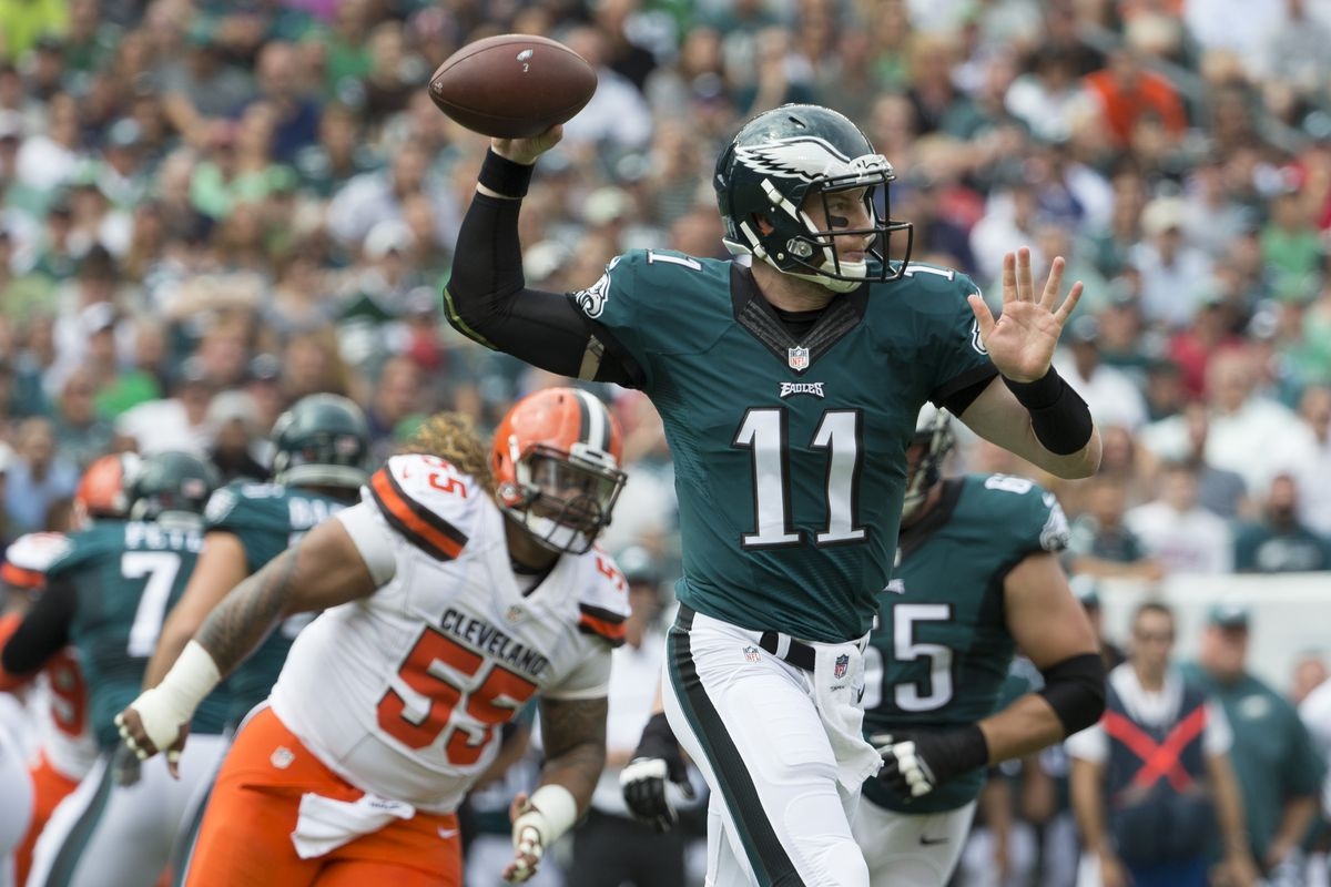 1d415c44 Eagles QB Carson Wentz lives up to his draft hype with 29-10 win in ...