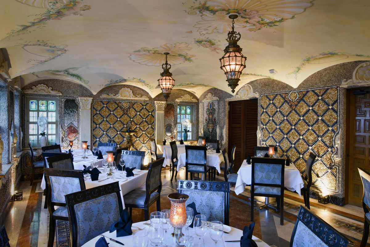 New Restaurant Gianni S At The Villa Is Setting Up Shop