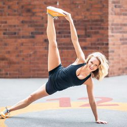 """<a href=""""http://ny.racked.com/archives/2013/08/08/hottest_trainer_contestant_8_emily_cook_harris.php""""><b>Emily Cook Harris</b></a>. Photo by <a href=""""http://peladopelado.com/"""">Driely S</a>"""