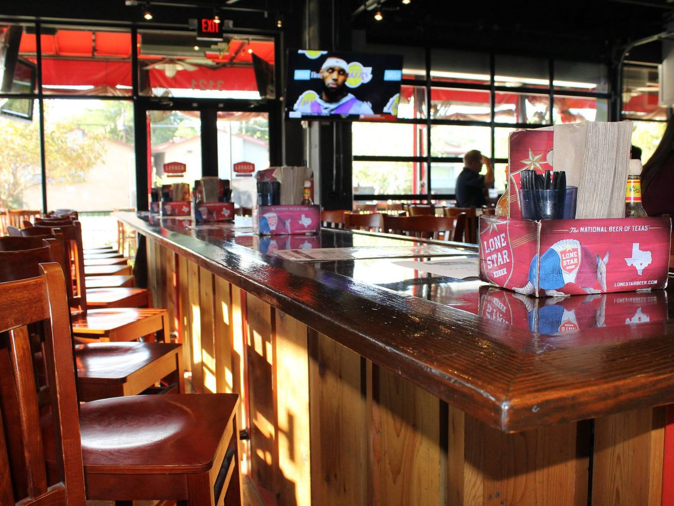 Texas Bars Look to Reclassify as Restaurants in Order to Reopen for Dine-In Services