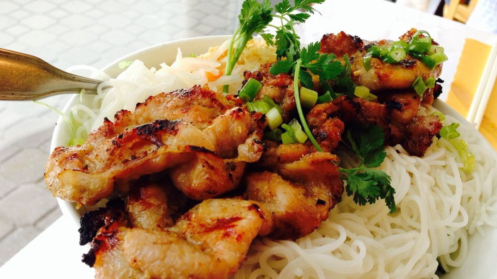 Minh Closes in Clarendon; International Cafe Opens