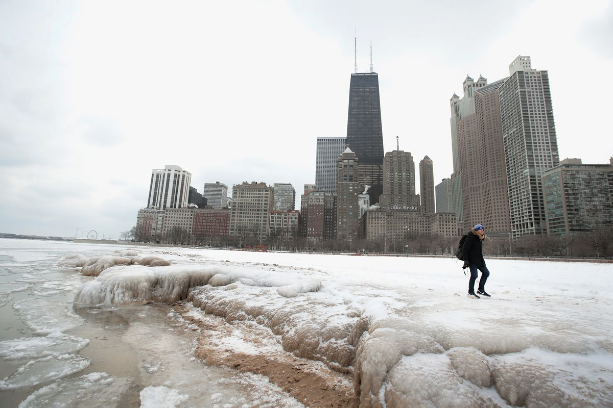 Chicagos Wintry Cold Will Keep These Restaurants And Bars Closed