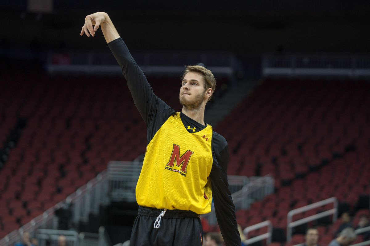 Jake Layman practices on Wednesday, a day before the Sweet 16.