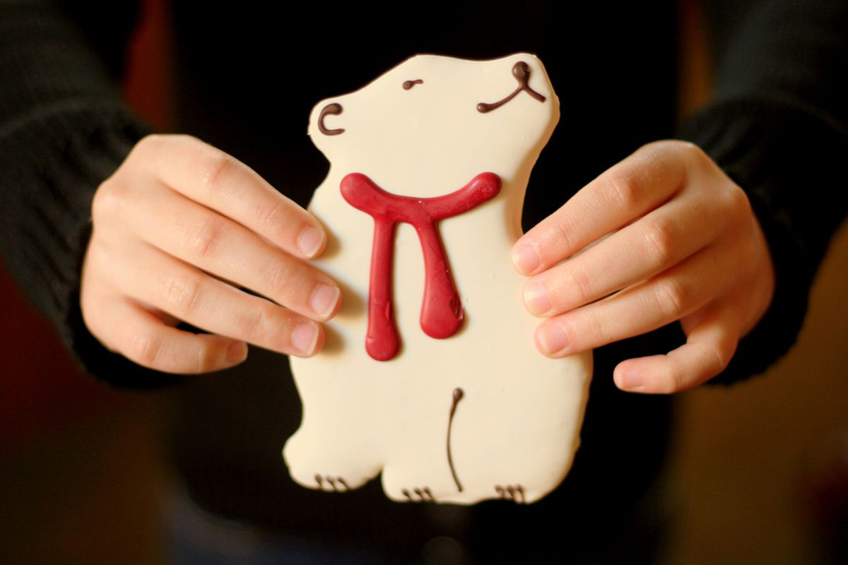 Is this a polar bear with a scarf or a polar bear with blood gushing from its neck? That depends on how dark your mind is.