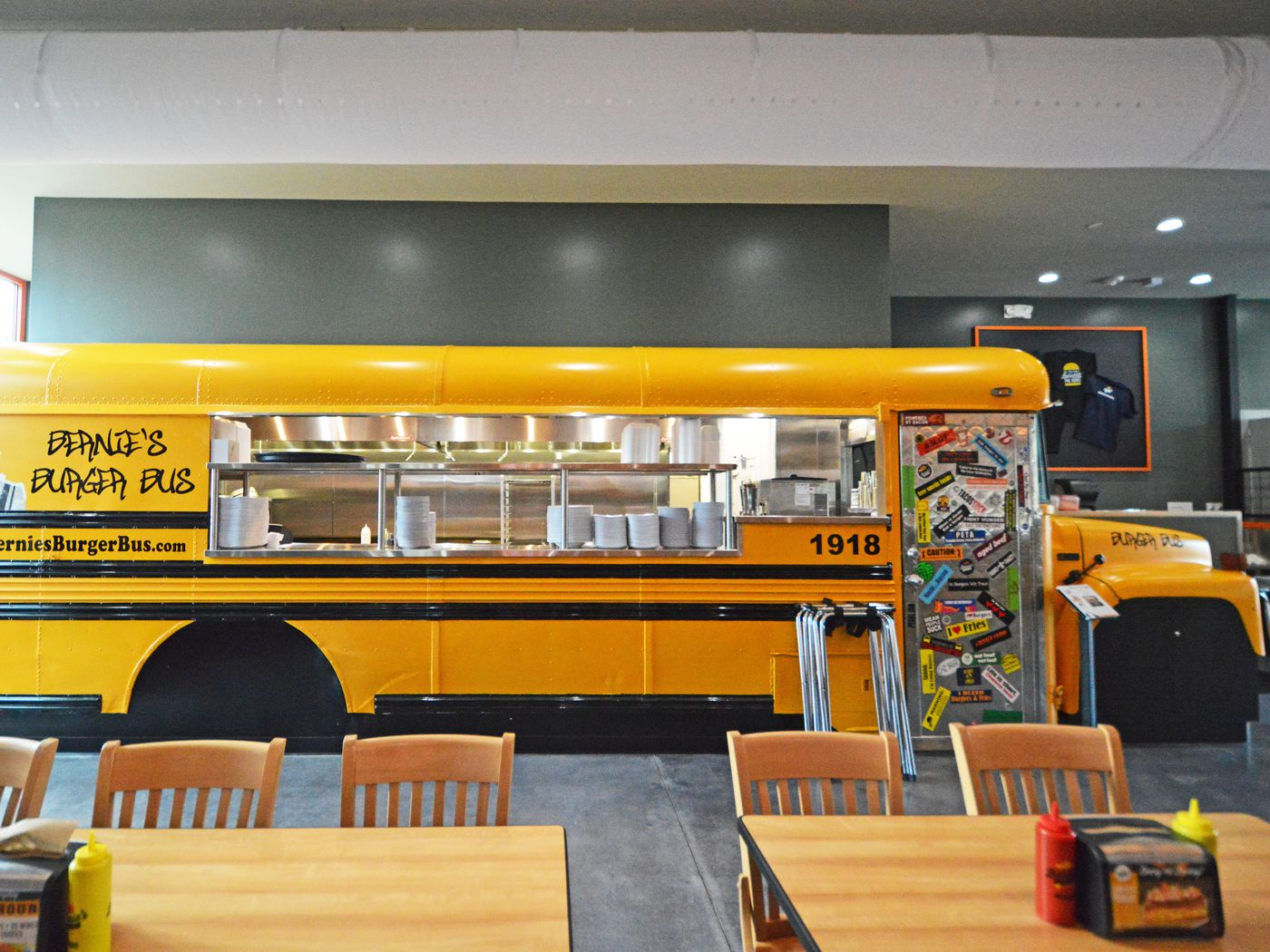 Step Inside Bernie S Burger Bus Now Open In The Heights Eater Houston