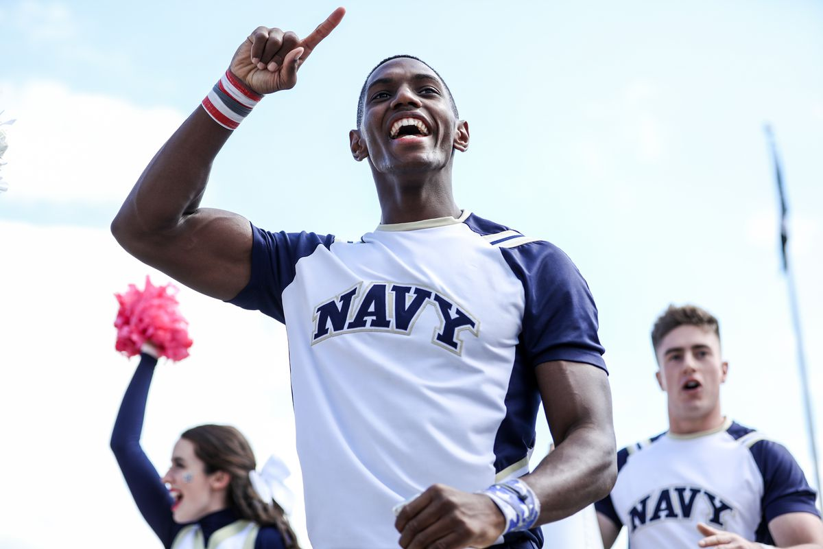 """<p zoompage-fontsize=""""15"""" style="""""""">COLLEGE FOOTBALL: OCT 05 Air Force at Navy"""