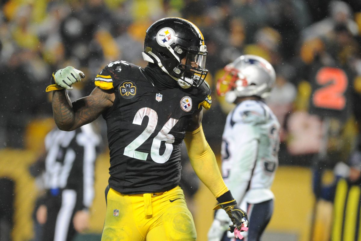 Le Veon Bell might want to talk to Mike Wallace about the grass being  greener elsewhere 9c8df9ab7