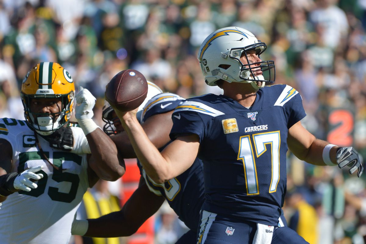 Los Angeles Chargers quarterback Philip Rivers passes during the first quarter against the Green Bay Packers at Dignity Health Sports Park.