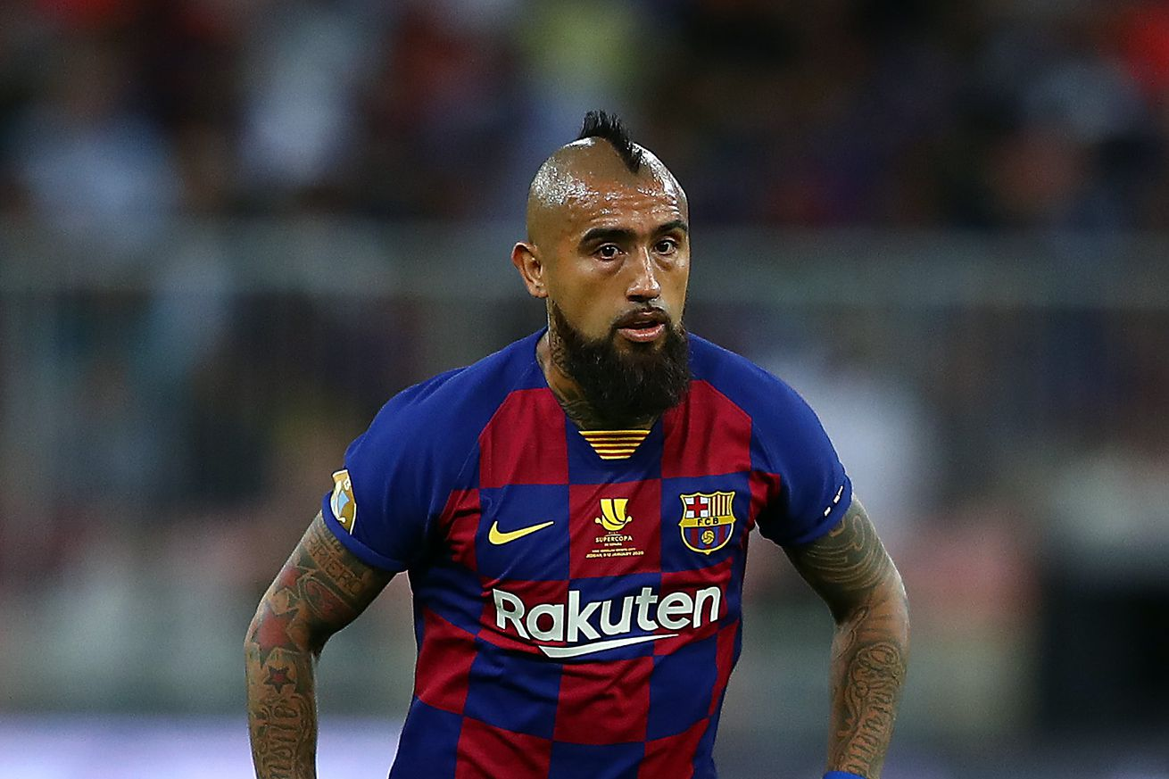 Setién?s first decisions: keep Vidal, look for a No. 9 - report