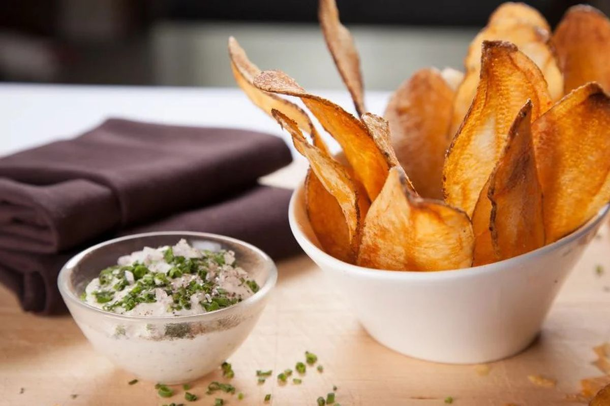 The Riggsby pop-up at Alta Strada in Mt. Vernon Triangle includes free chips and green onion dip with every order