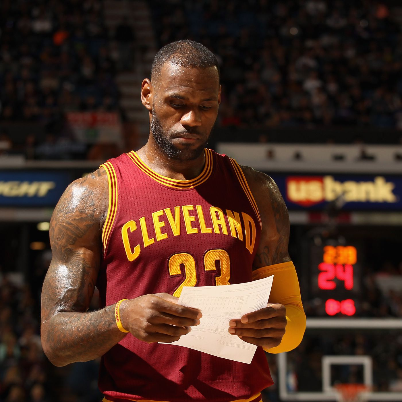 5c51ceeb6e3 LeBron James heroically offers to pay Dahntay Jones  fine