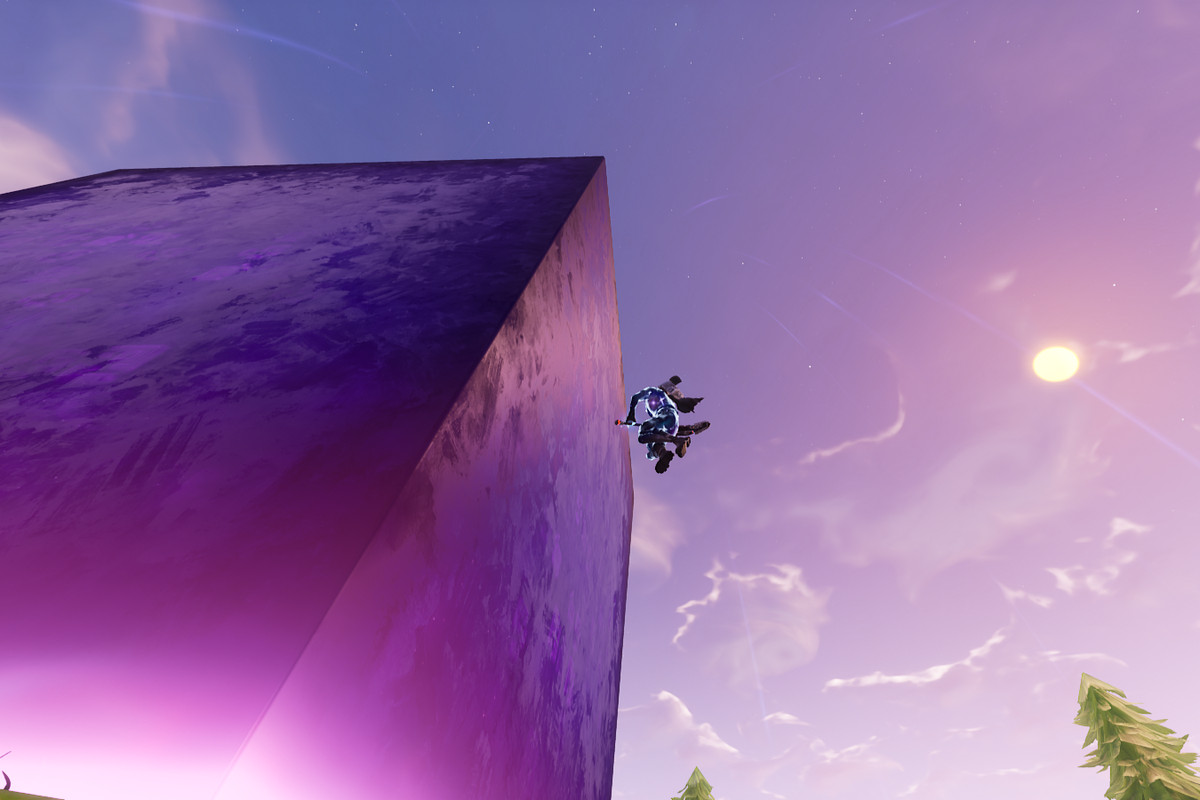 Purple Square Fortnite Fortnite S Mysterious Giant Cube Continues To Do Weird Things Polygon