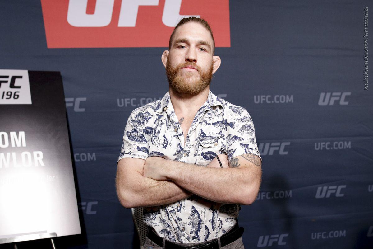 Tom Lawlor using salon for UFC Fight Night 20 prep, eyes