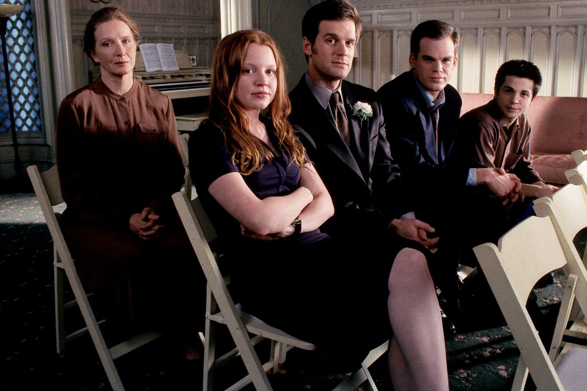 The Season One Cast Of Six Feet Under Hbo