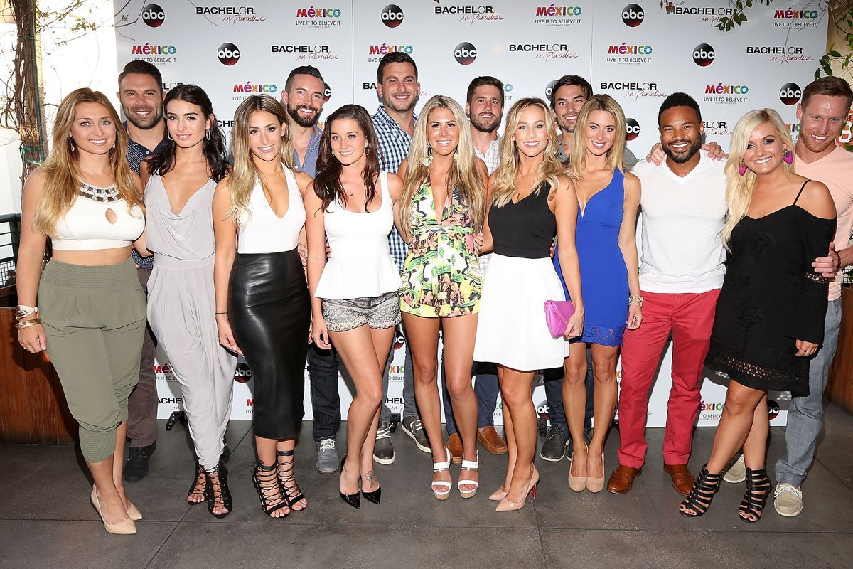 'Bachelor In Paradise' Returns To Mexico For Season 2 As Cast Gathers To Watch The Premiere At Mixology101