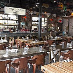 La Comida, looking at the bar.
