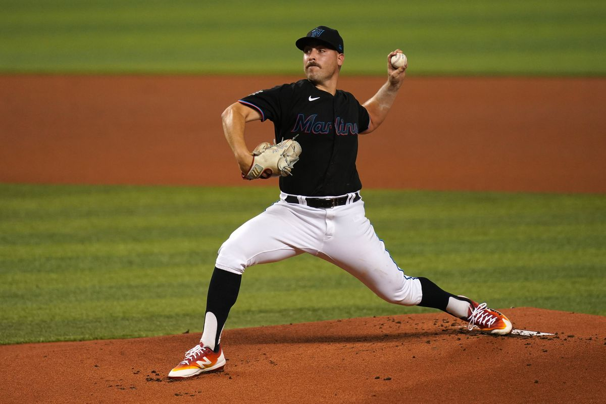 Miami Marlins starting pitcher Daniel Castano delivers a pitch in the 1st inning against the San Francisco Giants at loanDepot park.