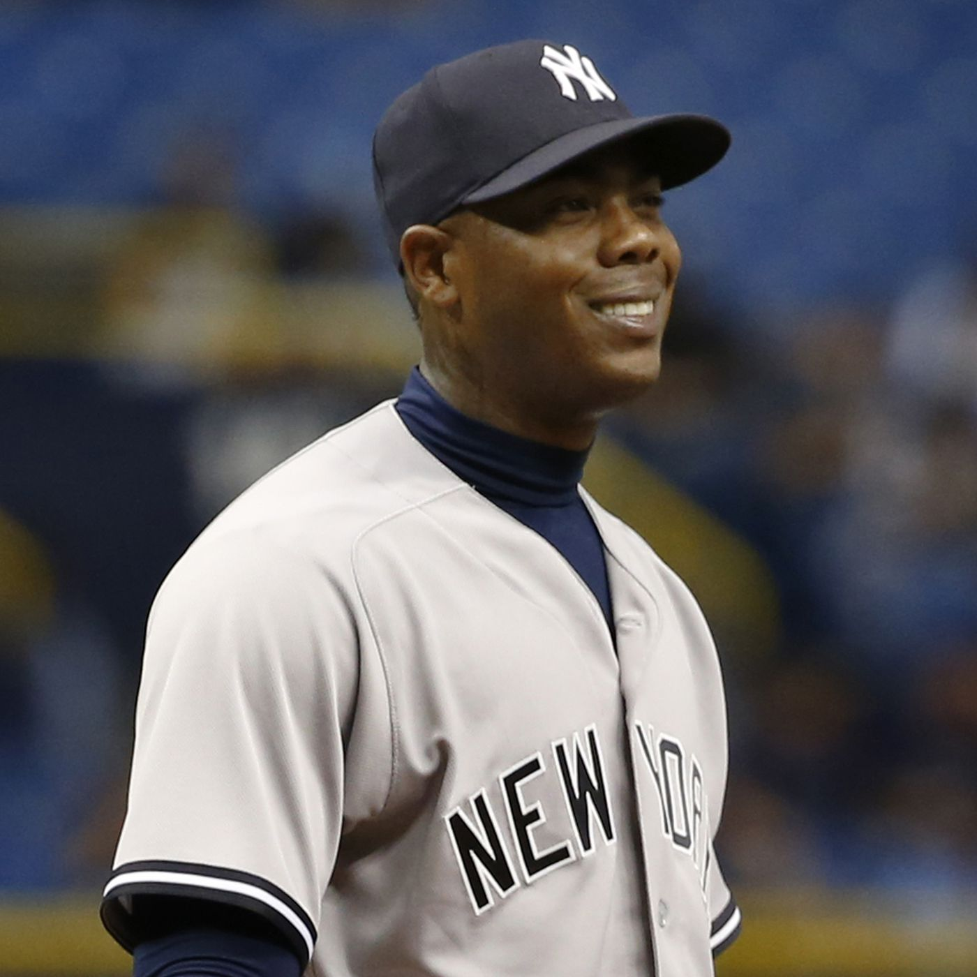 big sale 548c0 f7571 Yankees trade Aroldis Chapman to Cubs for 4 players ...