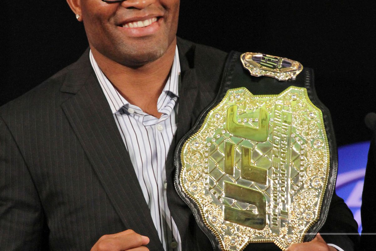 Anderson Silva responds to Chael Sonnen's antics in an interview with Marilia Gabriela. <em><strong>Photo by UFC.com </strong></em>