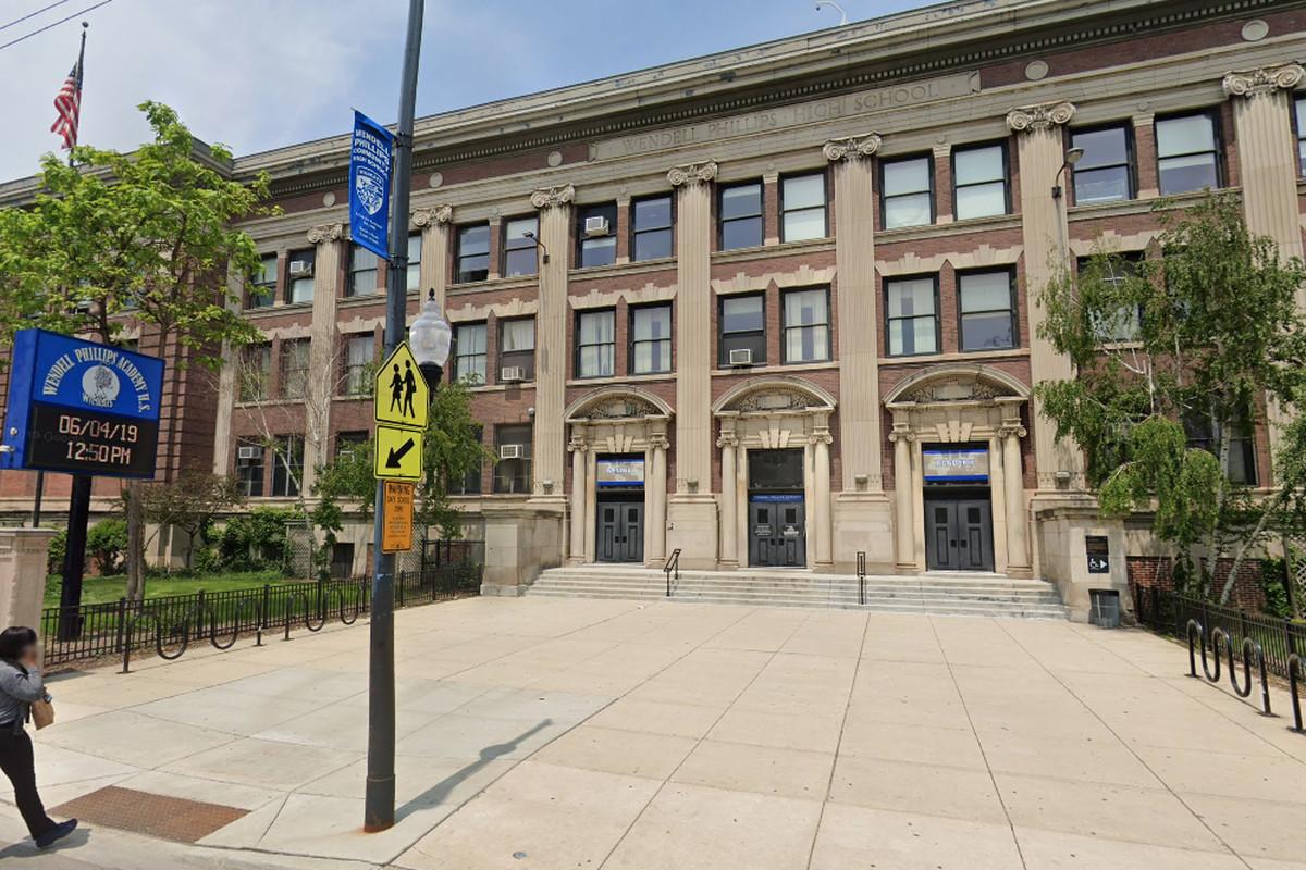 Phillips Academy High School arrest: Teen found with pellet gun taken into custody
