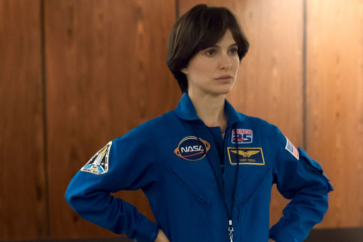 Lucy in the Sky review: fails in a story of astronauts ...