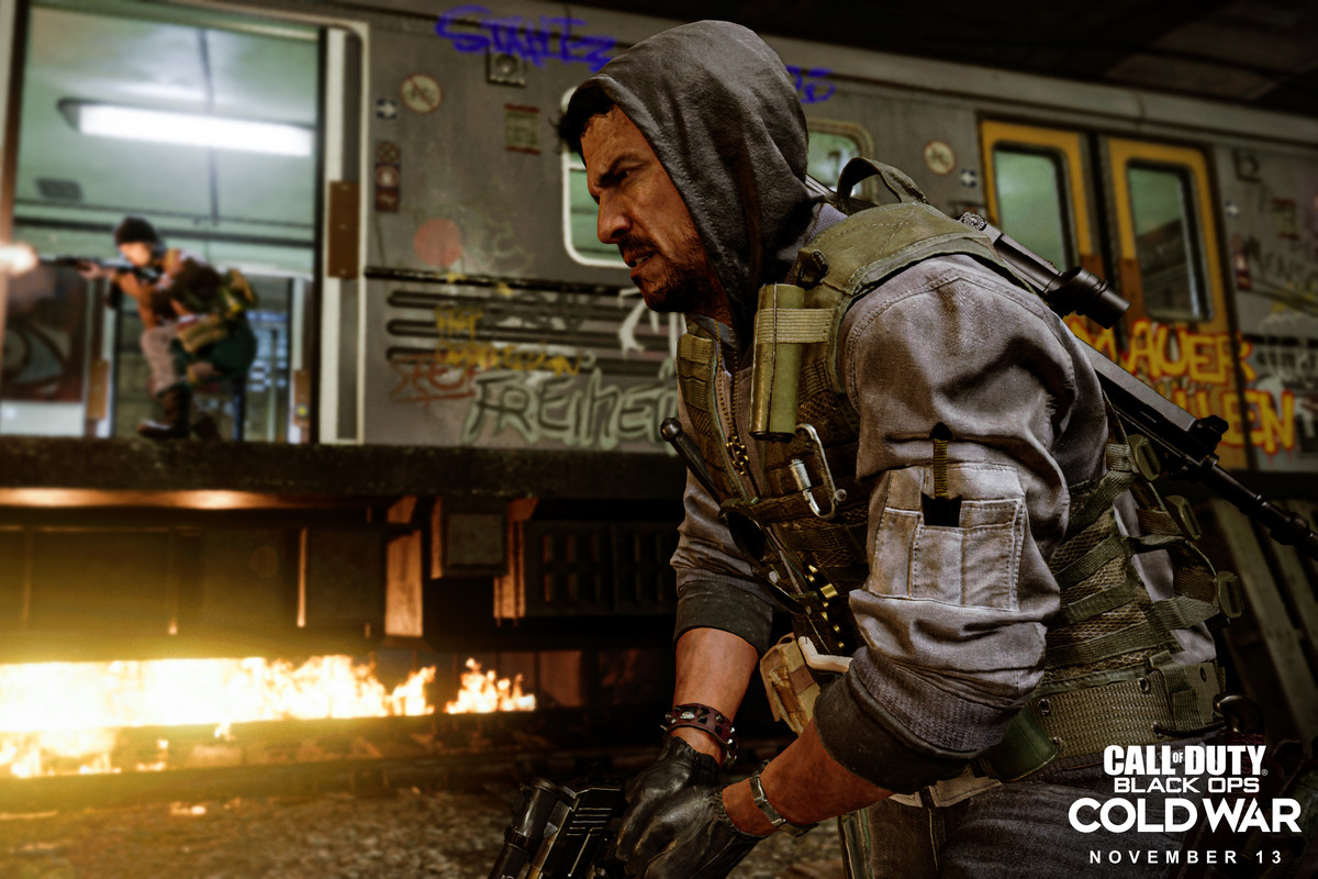 A Call of Duty: Black Ops Cold War player running toward a fight