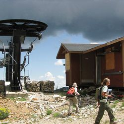 13. Hikers arrive at the Honeycomb chairlift.