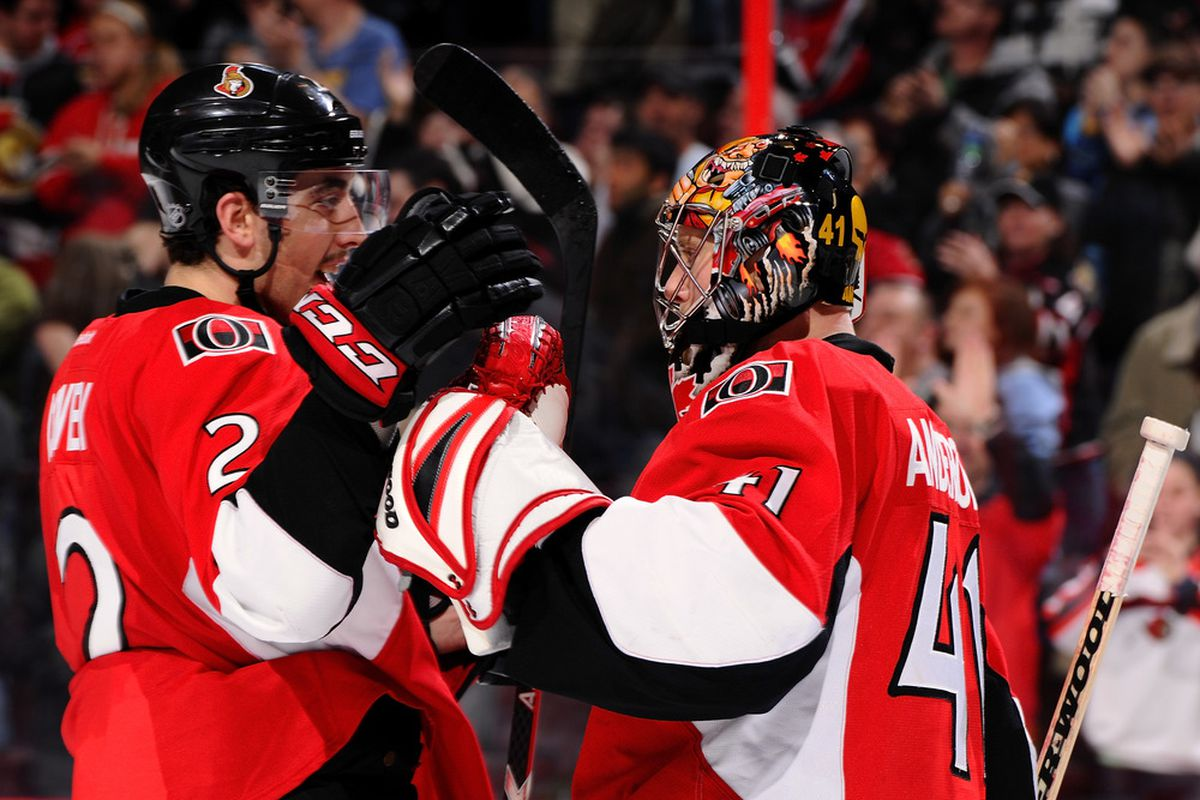 Jerry Seinfeld congratulates Craig Anderson after a win. (Photo by Phillip MacCallum/Getty Images)