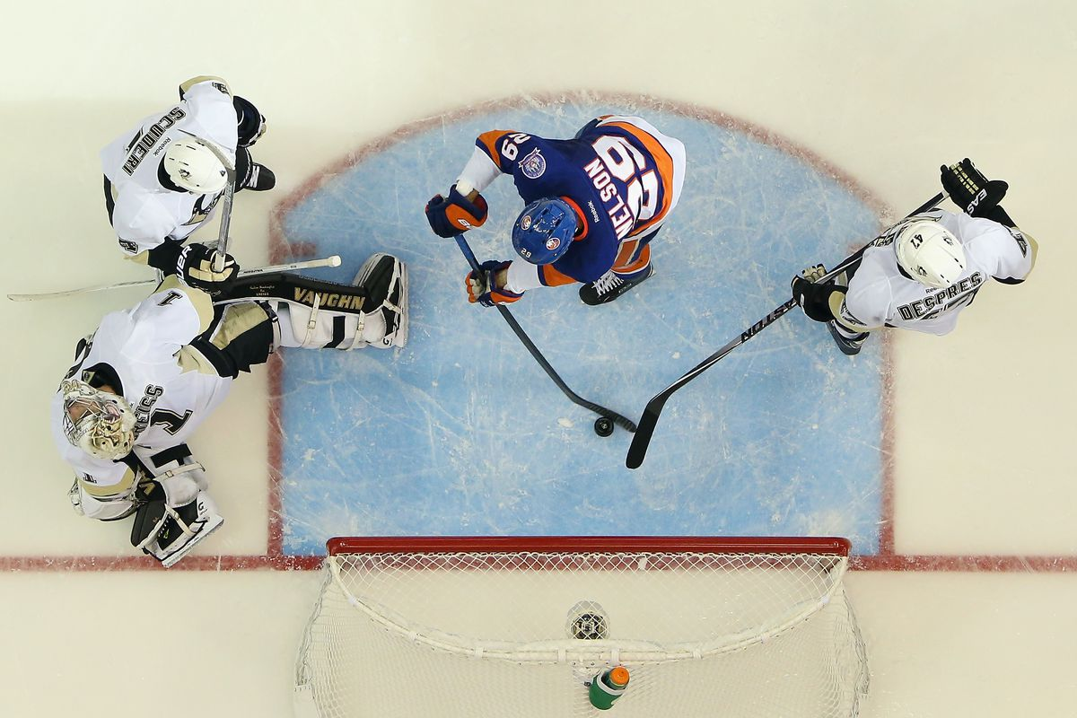The New York Islanders prevailed over the Pittsburgh Penguins in a home-and-home set, but the Pens hold onto first in the division by a tiebreaker.
