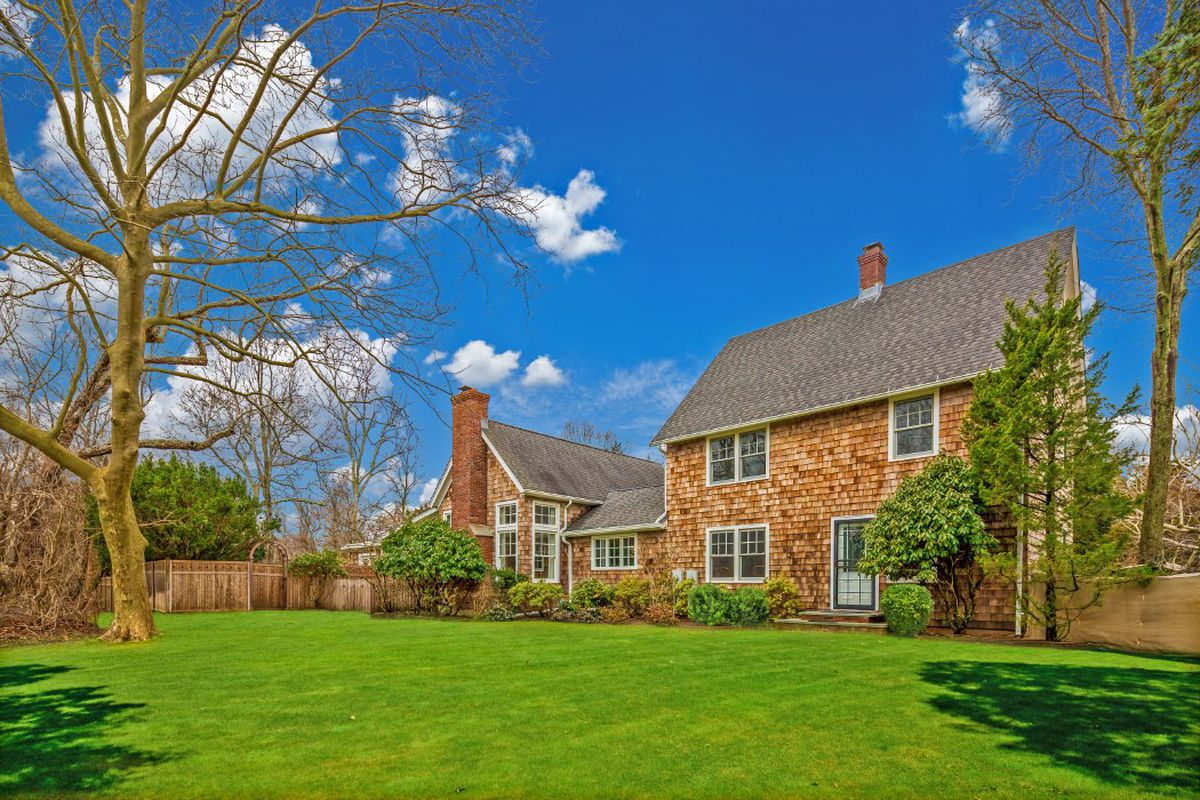 century old springs home on 2 5 acres asking 2 85m curbed hamptons