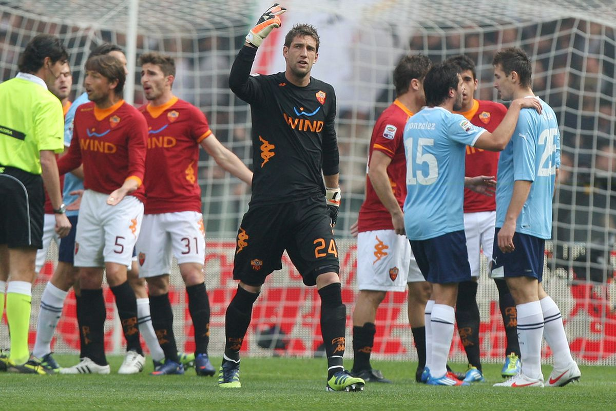 ROME, ITALY - MARCH 04:  Maarten Stekelenburg (C) goalkeeper of AS Roma reacts after the red card during the Serie A match between AS Roma and SS Lazio at Stadio Olimpico on March 4, 2012 in Rome, Italy.  (Photo by Paolo Bruno/Getty Images)