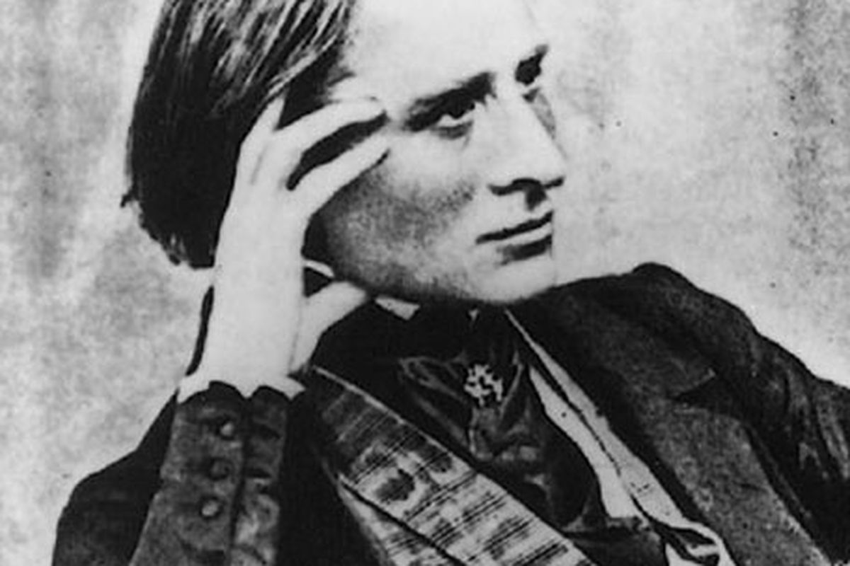 Wondering if your kiss is on his Liszt?