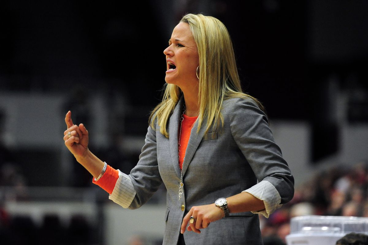 Pacific coach Lynne Roberts led her team to an impressive win against USF on Saturday.