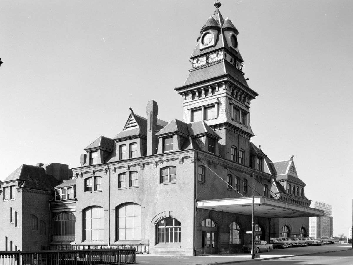 The exterior of the Baltimore and Ohio Railroad Station in Philadelphia. This is a black and white photograph.