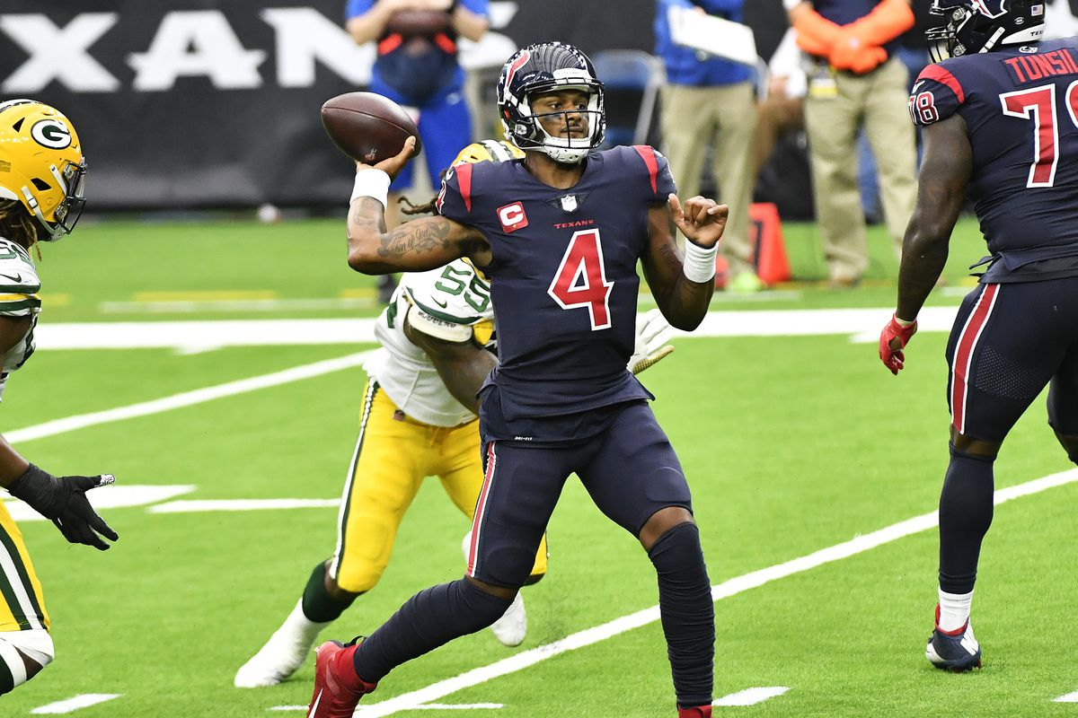 Deshaun Watson #4 of the Houston Texans passes against the Green Bay Packers during the third quarter at NRG Stadium on October 25, 2020 in Houston, Texas.