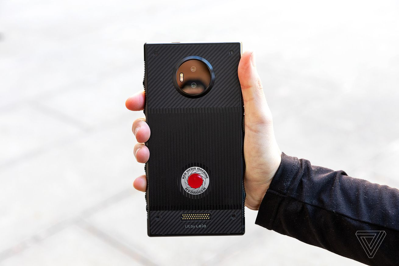 red s hydrogen one holographic smartphone launches on november 2nd for 1 295