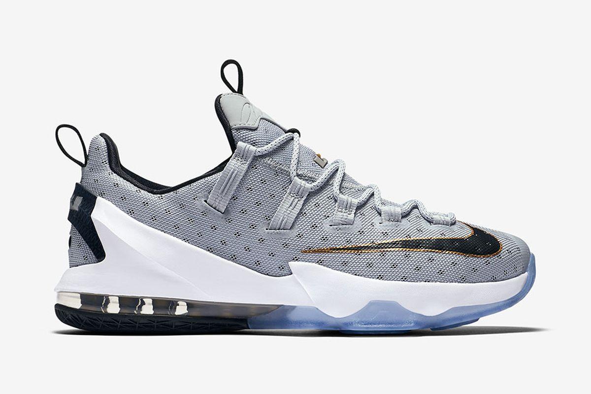 90f053b60ec5 Cavs Kicks  Nike LeBron 13 Low