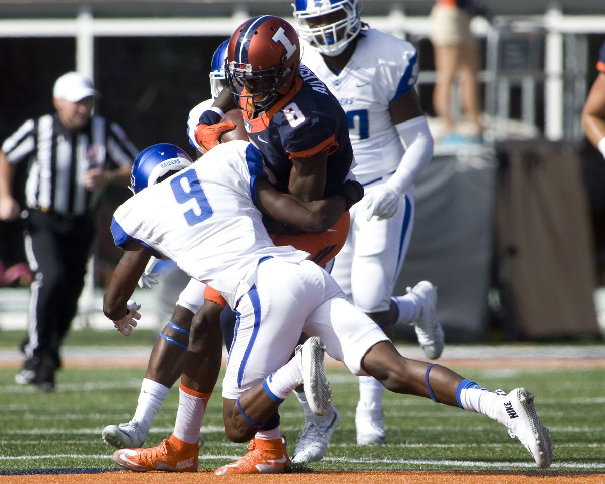 NCAA Football: Middle Tennessee at Illinois