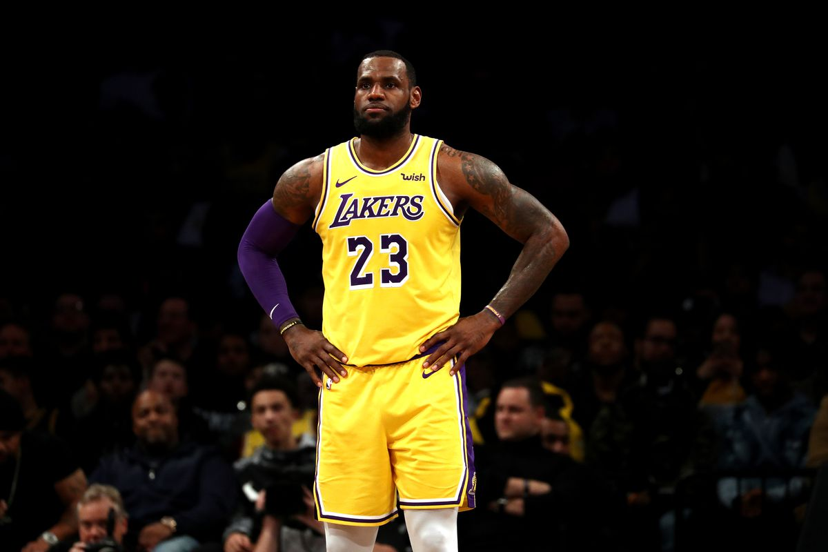 9cdd71dc2 LeBron James didn t really say anything newsworthy about Carmelo Anthony or  Anthony Davis