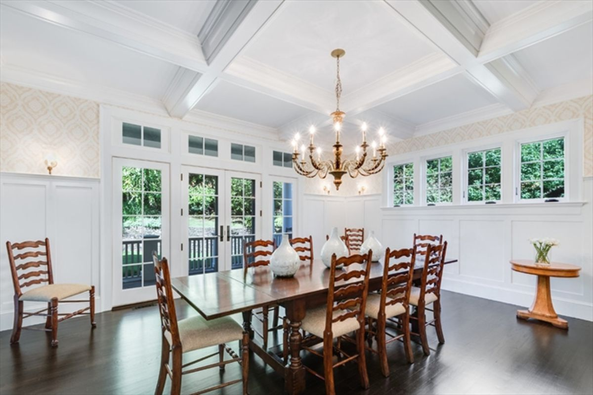 Breezy Montauk home for sale, just under $4M - Curbed Hamptons
