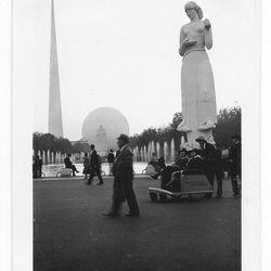 """The Trylon, Perisphere, and statue via <a href=""""http://www.flickr.com/photos/electrospark/6281447219/in/pool-642509@N21/"""">Flickr/Elctro Spark</a>."""