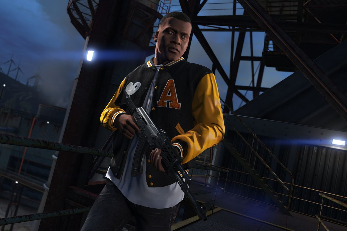 Franklin holds an assault rifle in a screenshot from Grand Theft Auto 5