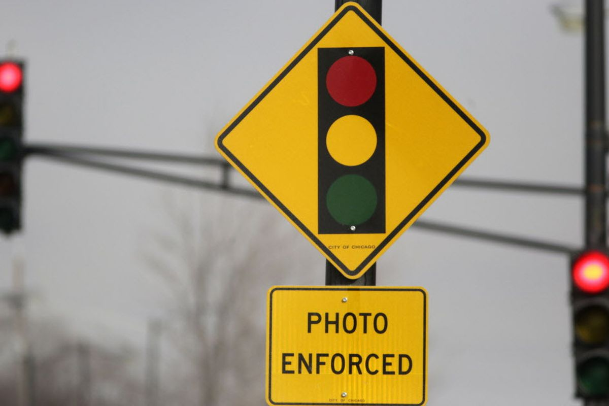 Chicago triples 'grace period' for red-light cameras