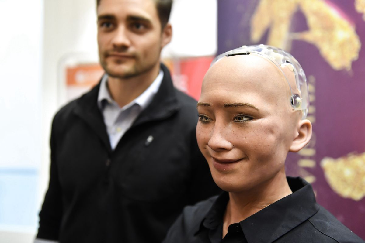 Facebook S Head Of Ai Really Hates Sophia The Robot And With Good