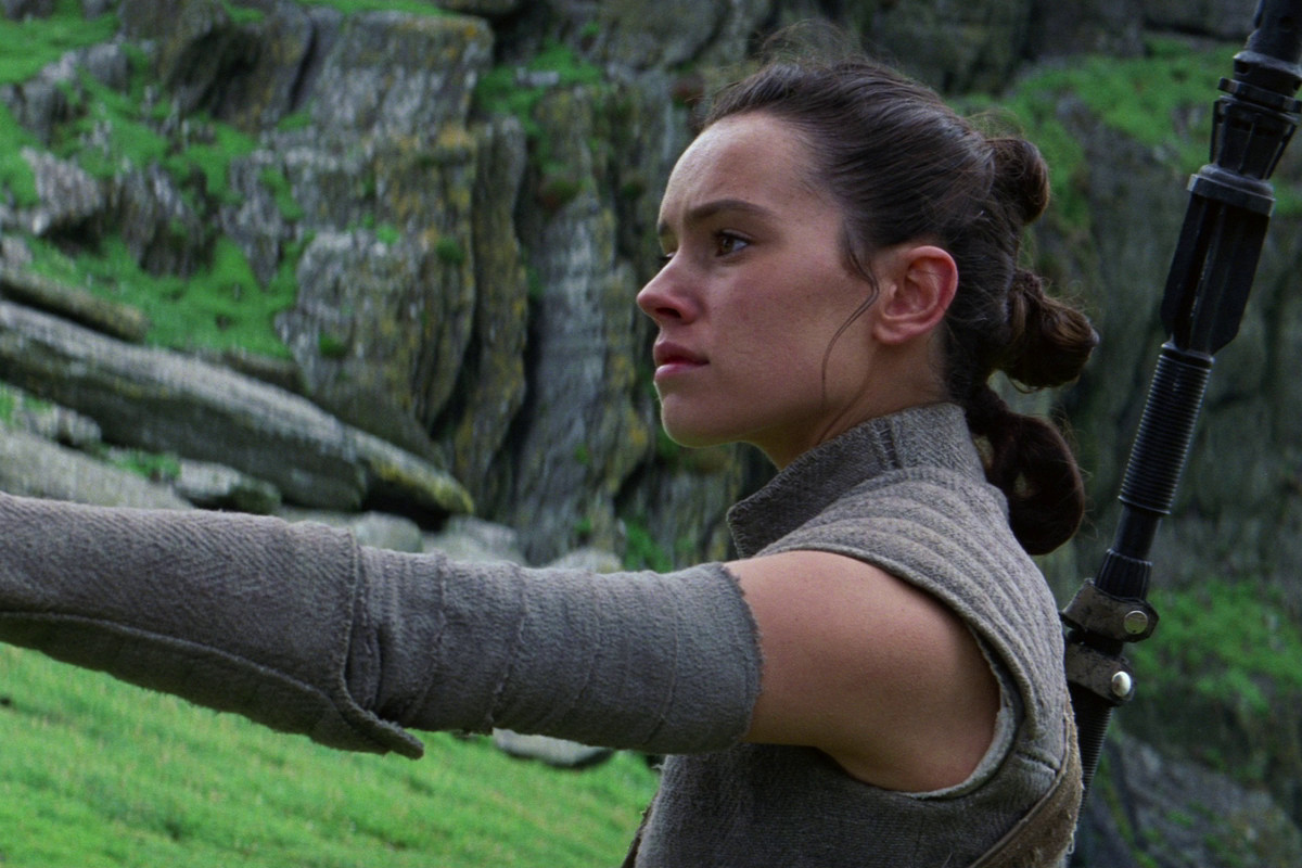 Anakin's lightsaber belongs to Rey in 'The Last Jedi'