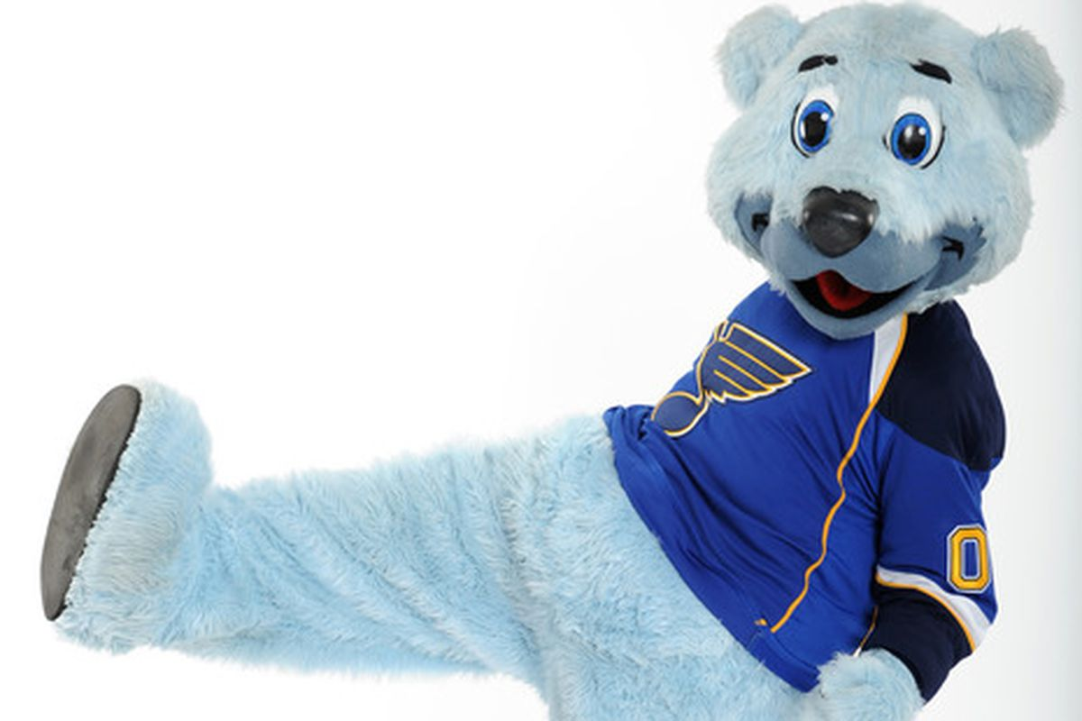 Blues Mascot Louie Nominated For Cartoon Network Award Sb Nation St Louis