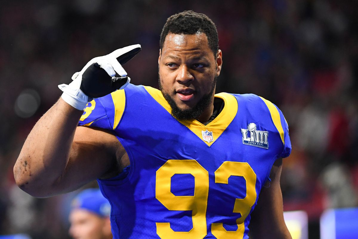 6d64b326f Ndamukong Suh teased that the Cowboys or Giants could be his next team