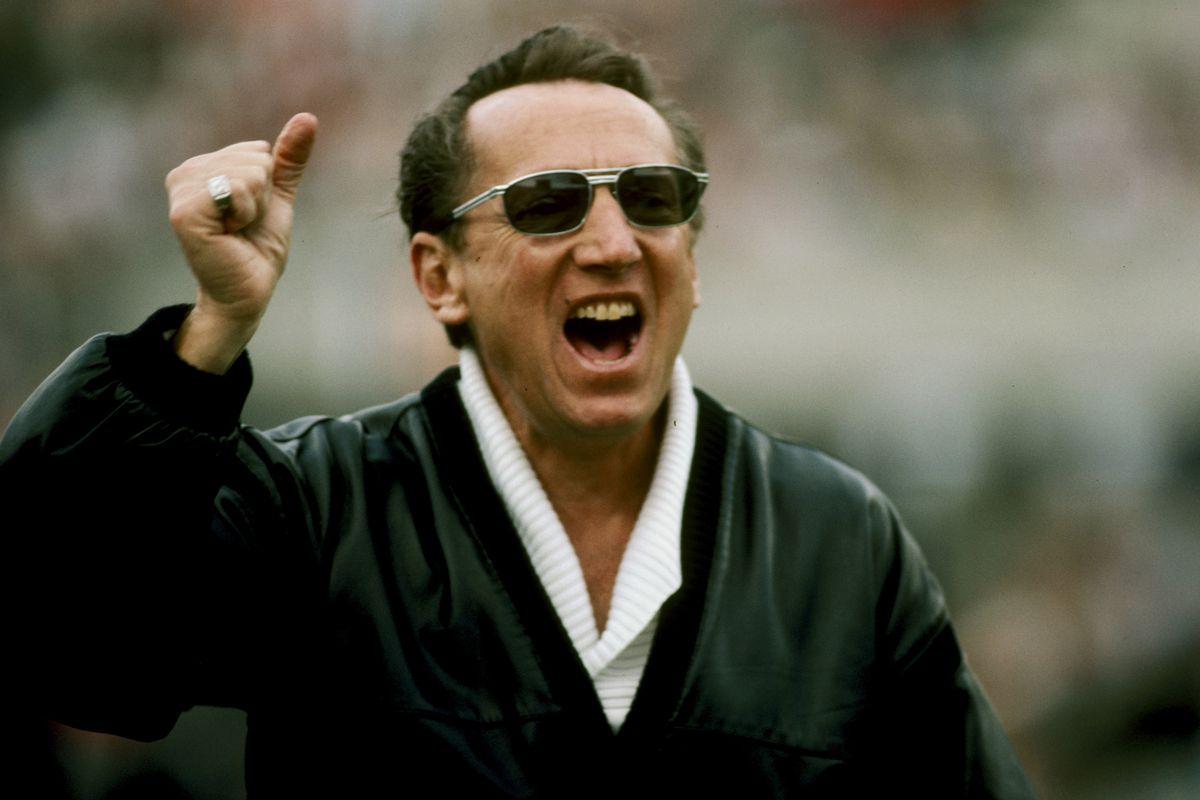 Super Bowl XVIII - Washington Redskins vs Los Angeles Raiders - January 22, 1984