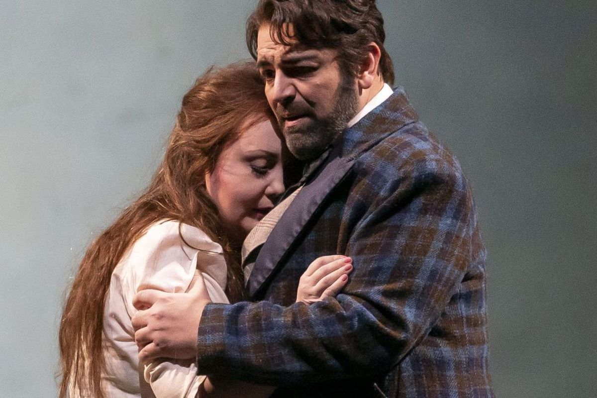 Lyric Opera keeps it real with a 'La Traviata' true to characters' inner selves
