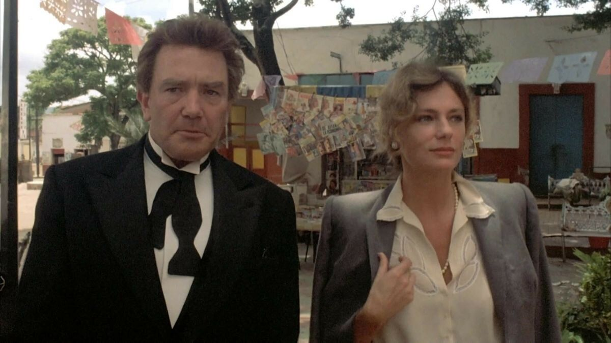 Albert Finney and Jacqueline Bisset as Geoffrey Firmin and his  estranged wife Yvonne in Under the Volcano